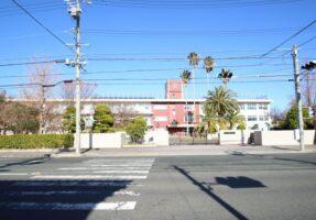 静岡大学附属小学校・中学校まで、750m